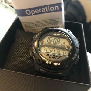 EUC Casio Men's Illuminator w-756 3100 Watch